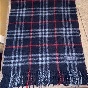 Burberry's nova check scarf